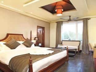 Godwin Hotel North Goa - Royal Suite Room