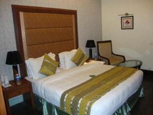 Godwin Hotel North Goa - Guest Room