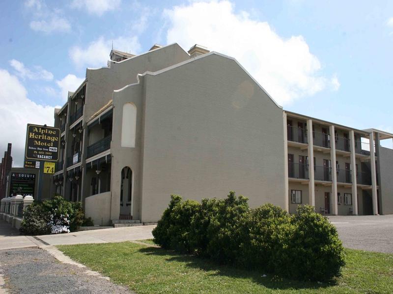 Alpine Heritage Motel - Hotell och Boende i Australien , Goulburn
