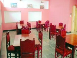 Hotel Saheli Palace Udaipur - Food, drink and entertainment