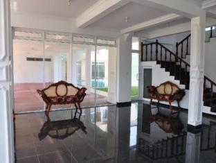 LakeNest Bolgoda Resort Moratuwa / Panadura - Lobby