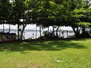 LakeNest Bolgoda Resort Moratuwa / Panadura - View