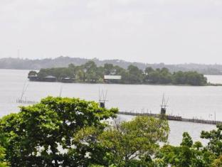 LakeNest Bolgoda Resort Moratuwa / Panadura - Surroundings