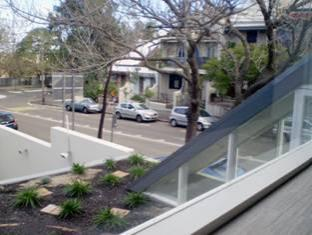 Golden Grove Hotel B&B Sydney - Roof Garden View