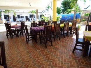 Little Mermaid Dive Resort Cebu - Restaurant