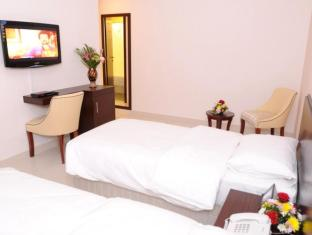 Time Square Hotel Dubai - Guest Room
