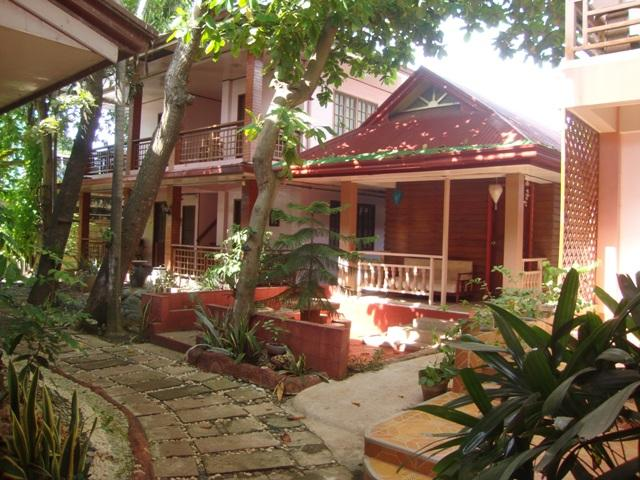 Lola Itang Pension and Restaurant - Hotels and Accommodation in Philippines, Asia