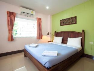 Baan Sutra Guesthouse Phuket - Deluxe Room