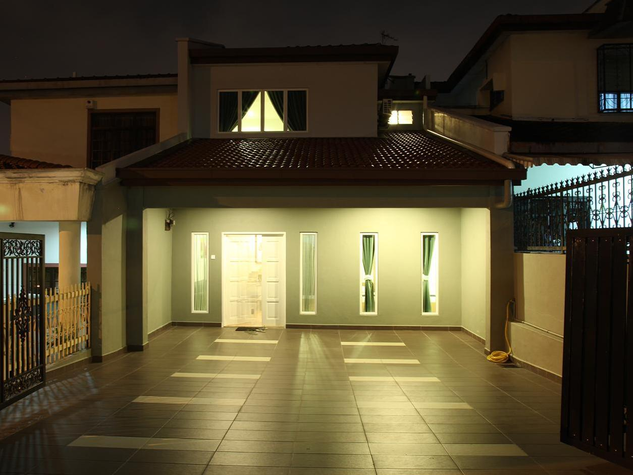 Leisure Home Stay @ Taman Segar - Hotels and Accommodation in Malaysia, Asia
