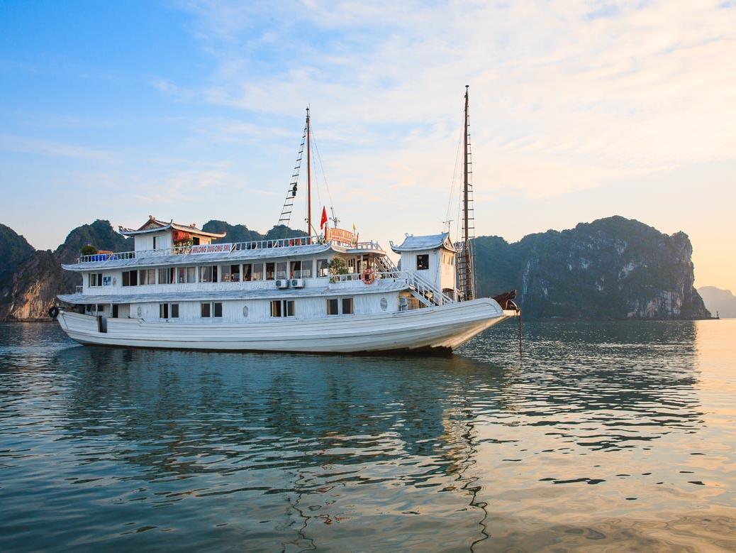 Halong Dugong Sail - Hotell och Boende i Vietnam , Halong