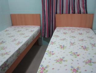 Guangzhou Guest House Hong Kong - Hotellihuone