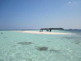 Rip Tide Vacation Inn Maldives Islands - Beach
