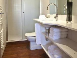 Apartamentos Palauet Tres Torres Барселона - Ванна кімната