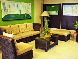North Palm Hotel and Garden דבאו - לובי