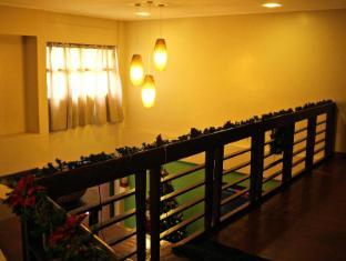 North Palm Hotel and Garden דבאו - בית המלון מבפנים