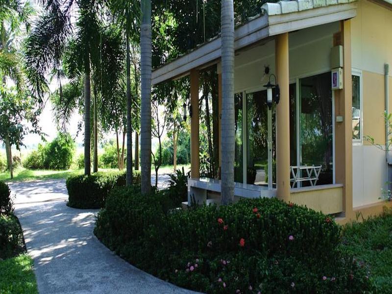 Cha-am Fishing Inn and Resort