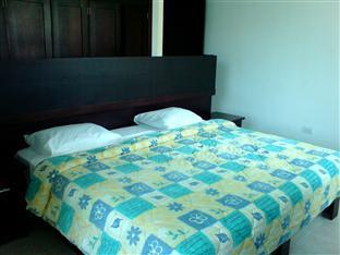 Las Gaviotas Hotel and Suites Cancun - King Size bed