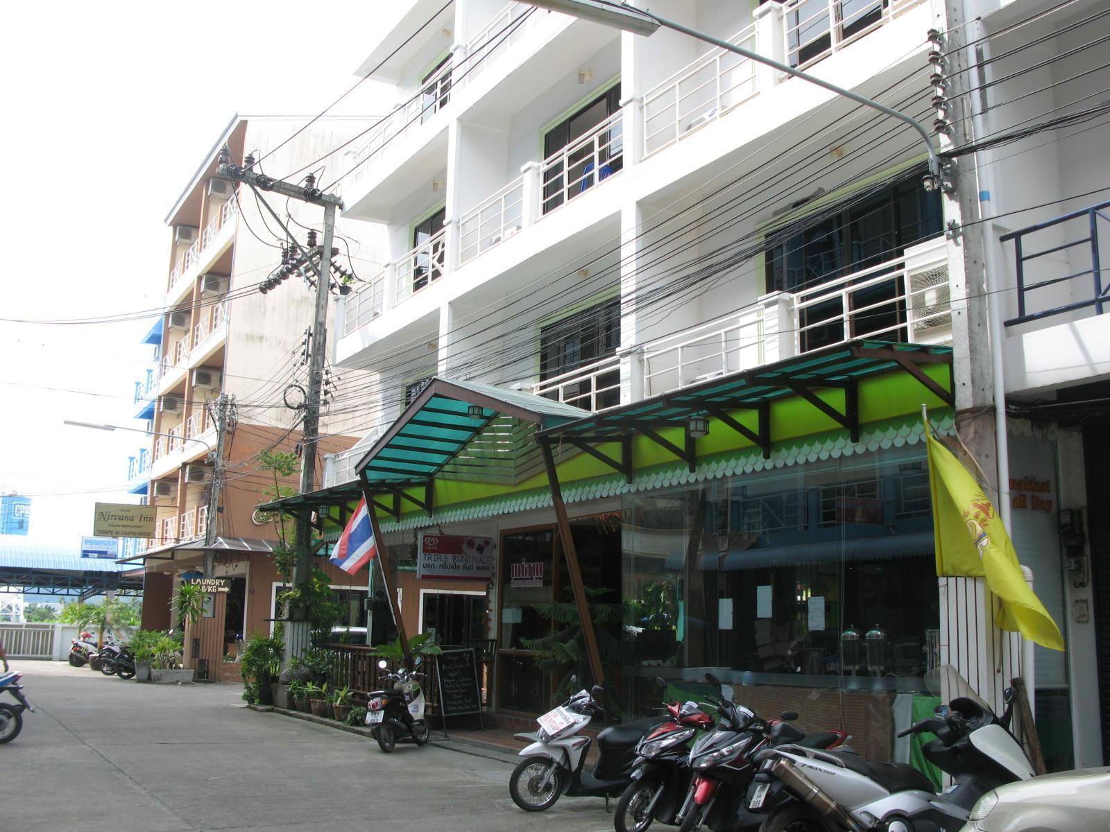 Hotell Triple Rund Place i Patong, Phuket. Klicka för att läsa mer och skicka bokningsförfrågan