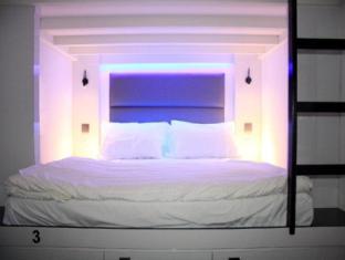 Wink Hostel Singapore - Pods - Doubles