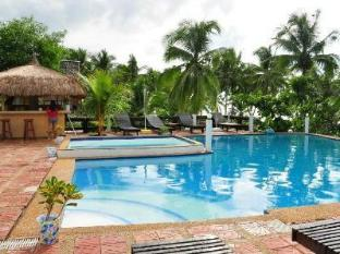 La Petra Beach Resort Anda - Basen