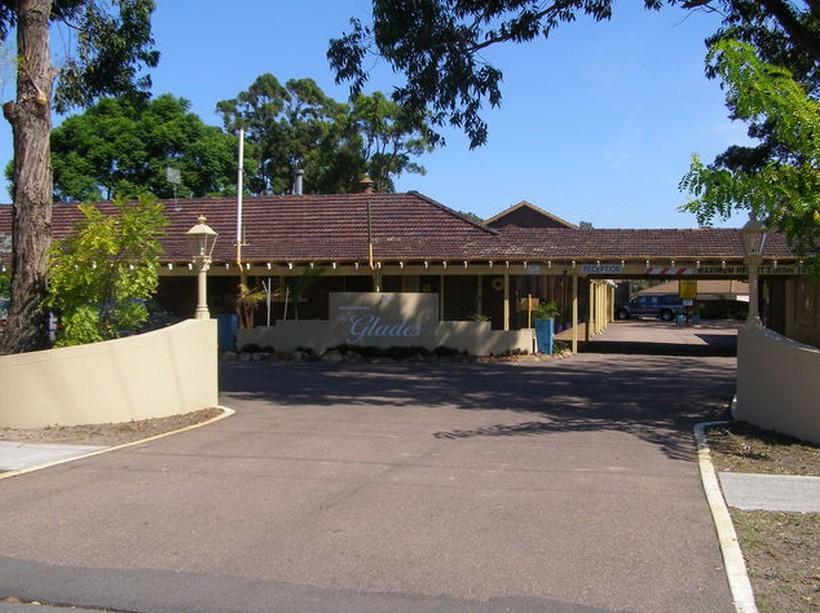 Glades Motor Inn - Hotell och Boende i Australien , Central Coast