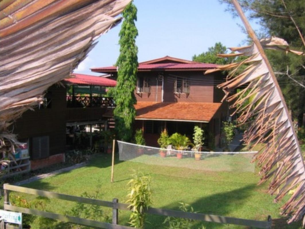 Treetops Jungle Lodge - Hotels and Accommodation in Malaysia, Asia