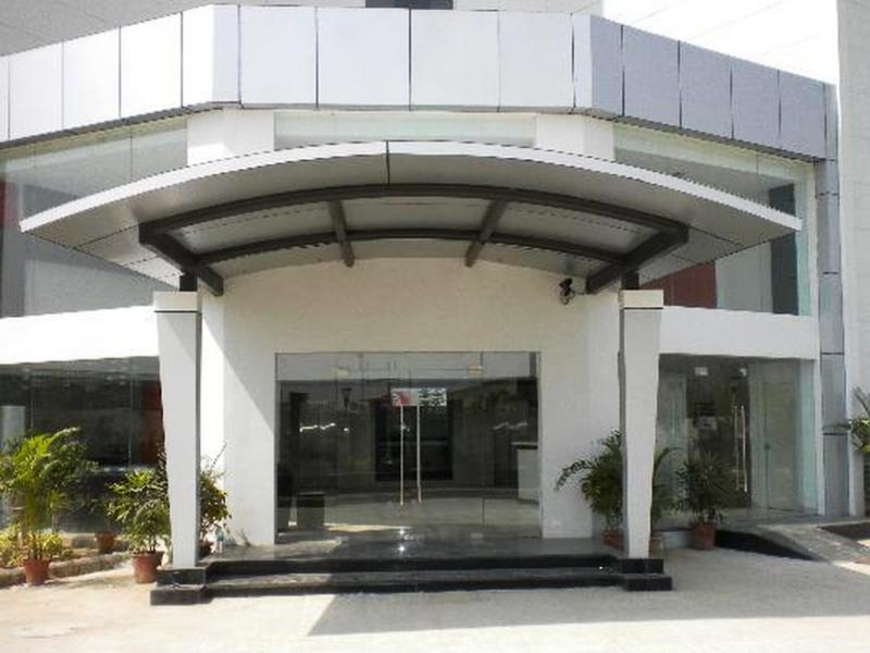 Qube Studios-Greater Noida