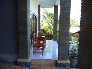 Anugerah Villas Amed Bali - Parveke/Terassi