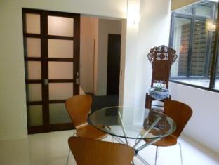 Frangipani Home Vacation @ Bukit Bintang Kuala Lumpur - Dining Area