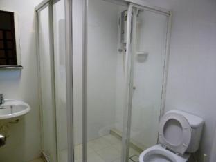 Frangipani Home Vacation @ Bukit Bintang Kuala Lumpur - Bathroom