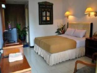 Hotel Tanjung Emas Surabaya - Bathroom