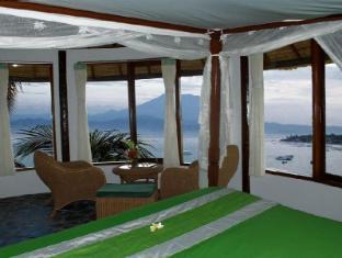 Coconut Beach Resort Lembongan Bali - Guest Room