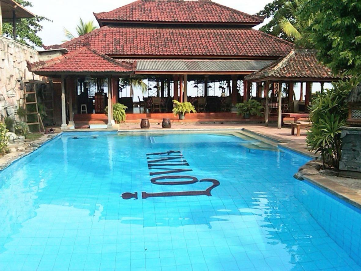 Lovina Beach Hotel
