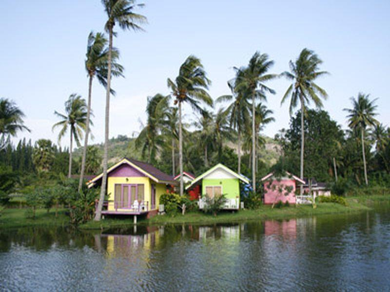 Greenfield Valley Fishing & Cottage Resort - Hotels and Accommodation in Thailand, Asia