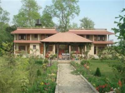 River Bank Inn Chitwan National Park - Hotellet udefra