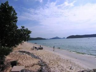 Sugary Sands Motel Langkawi - Beach