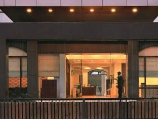 Altis Hotel by Aveda New Delhi and NCR - Entrance
