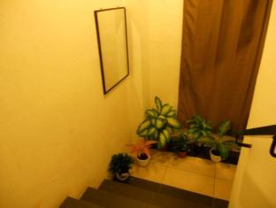 Check Mate Guest House Kuala Lumpur - Staircase