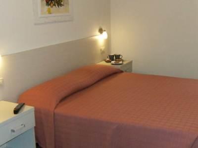 Cornelia Resort Rome - Guest Room