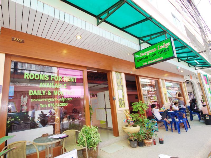 Hotell Evergreen Lodge i Patong, Phuket. Klicka för att läsa mer och skicka bokningsförfrågan