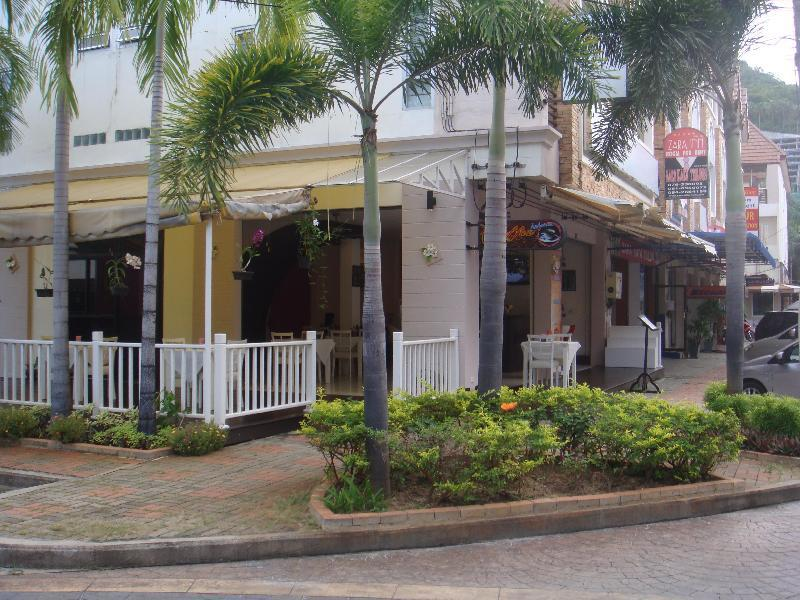 Jinta Andaman Hotel פוקט