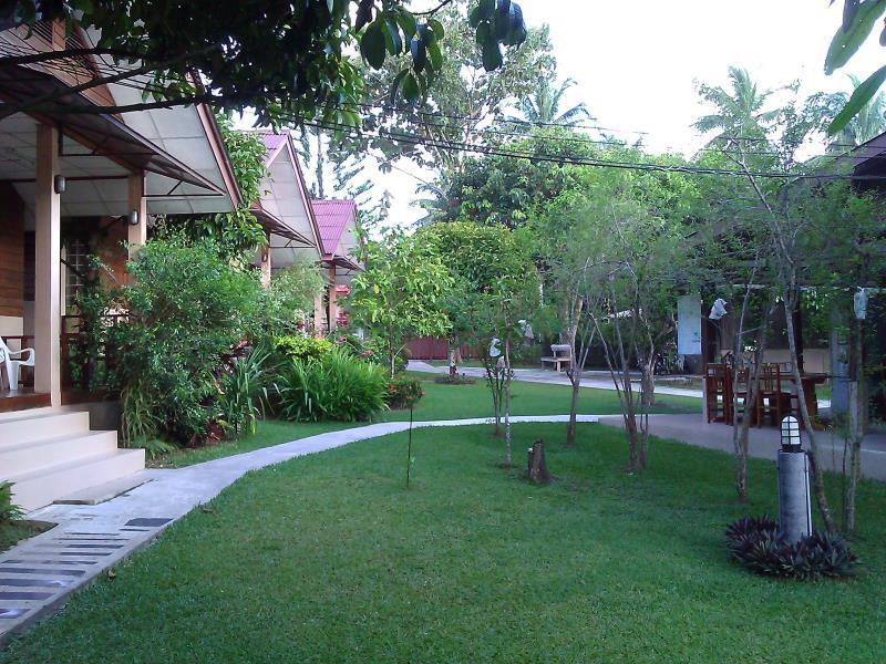 Hotell Ruan Rom Mai Bungalow i Chalong, Phuket. Klicka för att läsa mer och skicka bokningsförfrågan