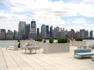 Harbor View Apartments Jersey City (NJ) - Balcony/Terrace