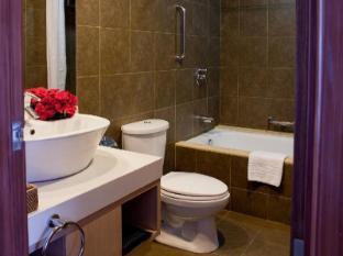 La Breza Hotel Manila - Bathroom