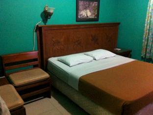Bukit Dago Hotel Bandung - Kamar Tidur