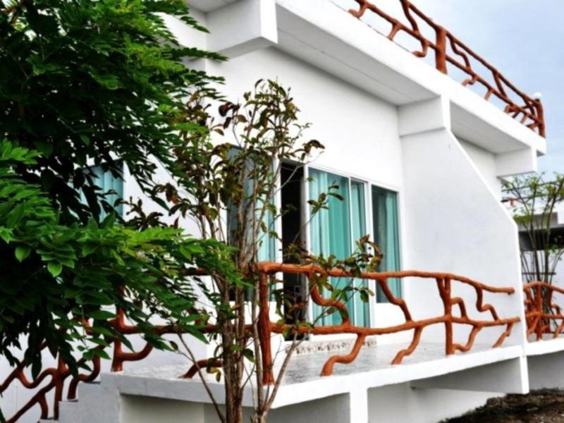 สวนไม้หอม รีสอร์ท แอนด์ ซูเวเนอซิตี้ : ที่พักสวนผึ้ง จ.ราชบุรี