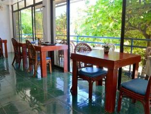 Blue Corals Beach Resort Cebu - Restaurant