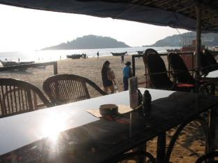 Dropadi Inn South Goa - Sea facing restaurant