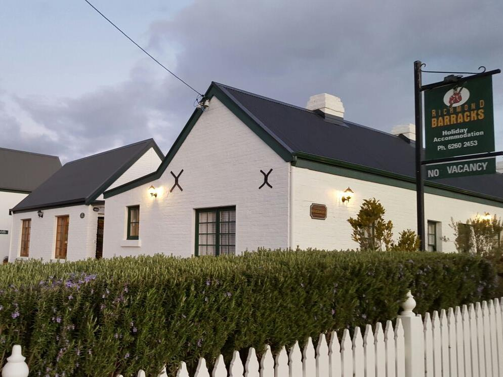 Richmond Barracks Cottages - Hotell och Boende i Australien , Hobart