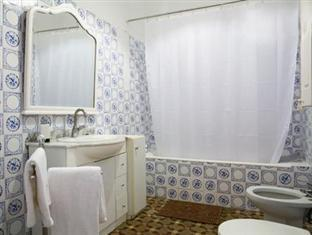 Blueberry Rooms Apartment Barcelona - Bathroom